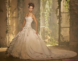 Wholesale 2014 New Sweetheart Ball Gown Wedding Dresses Satin and Lace with Chapel Train Bridal Gown BO3649