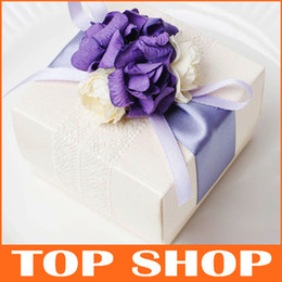 Wholesale Continental Elegant Atmosphere Lace Personalized DIY Candy Boxes Gift Box Purple Flowers Beige Box Wedding Gift Box HQ0018