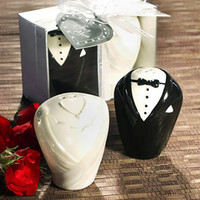 Wholesale Adorable Bride Groom Salt Pepper Shaker Wedding Favors Bridal Party Gifts