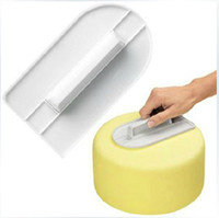 Wholesale Cake Decorating Spatula Cream Jam Scraper Plastic Round Flat Press Pad Butter Handle Board