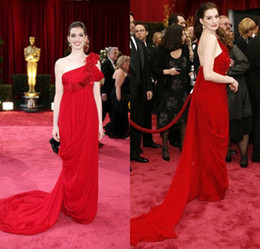 Wholesale Anne Hathaway Sheath One Shoulder Ruffles Flowers Court Train Chiffon New Style Celebrity Red Carpet Prom Evening Dress DL1310160