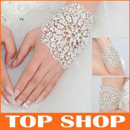 Wholesale Bracelets Wedding Accessories Back Of The Hand Chain Do Armbands Fashion Bangle Bracelets HQ0128