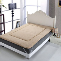 Wholesale Super comfortable warm mattress lamb mattress cotton camel and white suitable for meters bed