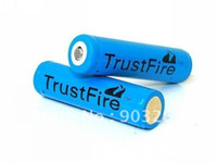 Cheap 2PCs Lot Trustfire Blue 18650 Battery 3.7v 2500 mAh Li-ion For Camera Torch Flashlight 18650 Rechargeable Battery