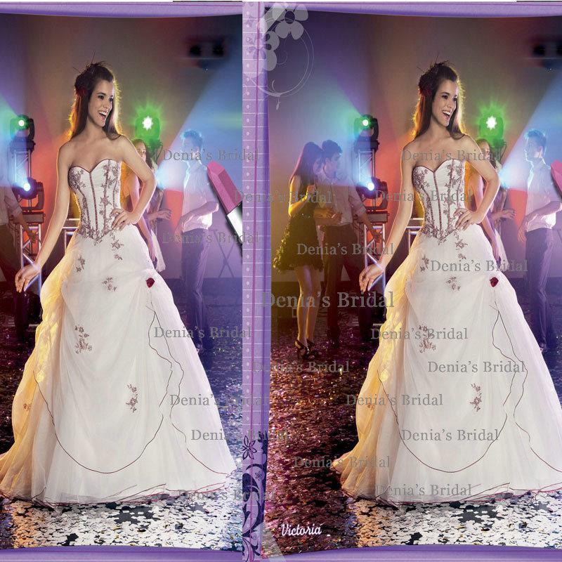 Source url: http://www.dressesphotos.com/image/shoppers_world_prom