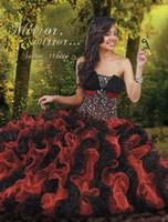 al por mayor traje de quinceañera rojo blanco-Vestidos de quinceañera blancos como la nieve con cristales montados en el corpiño volantes negros y rojos brillan lentejuelas en la falda de vestido de pelo hinchado 41026