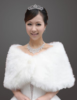 Wholesale 2014 Designer Warm White One Piece Fur Bridal Wrap Cape Shawl Jackets for Wedding Dresses