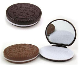 Wholesale chocolate sandwich biscuit makeup mirror chocolate portable mirror Brown Plastic Chocolate Cookies Makeup Tools Face Compact Mirror Comb