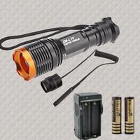 al por mayor interruptor de la linterna del zumbido-Venta al por mayor 1800 Lumen táctico Zoomable CREE XM-L T6 LED 18650 linterna de la antorcha zoom lámpara + 2x18650 batería + cargador + presostato
