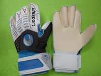 Wholesale latex soccer gloves high quality football gloves
