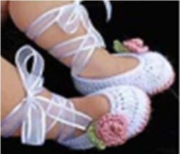 Wholesale 6 COLOR White ballet princess shoes Beautiful flowers streamers toddler shoes Newborn crochet handmade shoes baby wear pairs