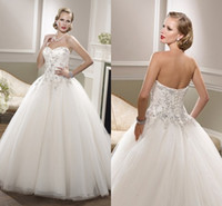 Wholesale New arrival Fashion Court Train Ball Gown Sleeveless Dress Simple Beaded Sweetheart Illusion Bridal Gowns Floor length lace wedding Dresses