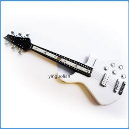 Wholesale Mini Les Paul Rock n Roll guitare LED Light rechargeable cigarette allume cigare