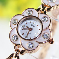Wholesale Plum Crystal Watches for Women Dress Watch colors analog full rhinestones Casual watch Longer Protection