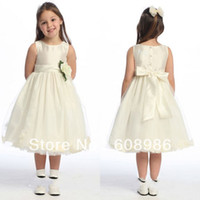 Cheap 2014-2014 New Arrival Lovely Pleat Ivory Color Bow Flower Girl Dress In China HT7