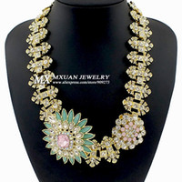 Chokers Women's Fashion High Quality Women Luxury Costume Fashion Chunky Necklaces & Pendants Chokers Crystal Flower Gorgeous Statement jewelry NK225