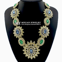 Chokers Women's Fashion High Quality Women Luxury Costume Fashion Chunky Necklaces & Pendants Chokers Crystal Flower Gorgeous Statement jewelry NK251