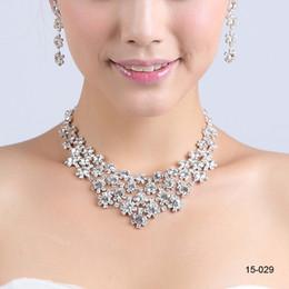 Nouveaux Styles Colonne Bijoux Collier Perles Sets Bridesmaids Bijoux Femmes Prom Party Bijoux Boucles D'oreilles 15029