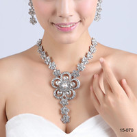 Wholesale In Stock Hot Sale Bridal Wedding Party Jewelry Accessories Silver Flower Shaped Rhinestons Crystals Necklace Earring Sets