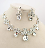 Wholesale Flower Design Silver Alloy Rhinestone Necklace Earrings Bridal Jewelry Women Favors Jewelry Set CN123