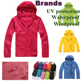 Wholesale 14 colours size Outdoor coat For Women Men Waterproof basic jackets Climbing Skiing Skin jacket Waterproof Windproof Sports Jacket