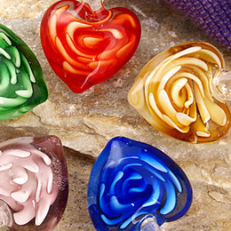 Exquisite & Beautiful women pendants for Decoration wholesale Drop shipping 50 pcs Lampwork Glass Murano Flower Heart Pendants 18mm 16201