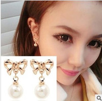 Cheap New Fashion Jewelry Delecate Golden Bowknot Shiny Pearl Pendant Earrings Elegant Woman South Korea Earring Charm Alloy Best Gift