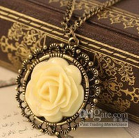 Cheap Wholesale - N0214 Elegant Vintage Cream Rose Disk Pierced Lace Necklace AB