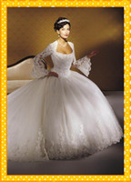 Wholesale 2015 Vintage Plus Size Ball Gown Crystal Beads Lace Appliques Long Sleeves Puffy Skirt Wedding Dresses Bridal Party Gown