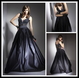 Wholesale Modest V Neck Sheer Princessin Ball Gowns Black Long Quinceanera Dresses Lace Applique Satin Open Back Evening Prom Gowns Formal Dress
