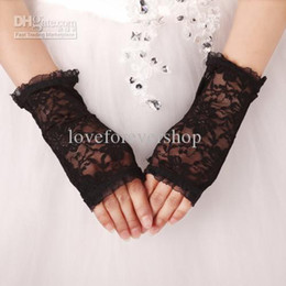 Wholesale Black Bridal Gloves Ruffles Tulle Lace Wrist Length Fingerless Short Gloves For Wedding Prom Quinceanera Cocktail Dresses