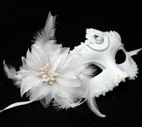 Wholesale Snow White Mask Halloween costume party mask for Christmas carnival halloween masquerade dance Venice mask side feather flower masks