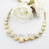 Wholesale New Fashion Gold Alloy Jewelry Bijoux Resin Rose Round Romantic Gift Necklace for women