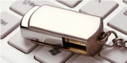 Envío de DHL de 128 GB 256 GB 64 GB giratoria Memory Stick Flash Drive de almacenamiento USB 2.0 Anillo de plata del tono LOGO OEM clave personalizada 1 envío del día