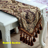 Wholesale Table runner fashion luxury handmade chenille pompon laciness dining table flag bed flag coffee table flag customize D