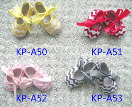 Wholesale Adorable Baby Girls Chevron Bowknot Soft Toddle Shoes Infant Girl Kids Striped Lacing Butterfly First Walker Shoe Yellow Red Pink Gray D2121