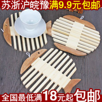 Wood bamboo placemats - Golden Delicious apples with fish bamboo placemats coasters insulation against hot desk to effectively protect your home