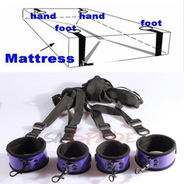 Wholesale Under the bed restraint kits Handcuffs ankle cuffs sex restraint kit bondage toys for couple adult sex restrain set BDSM products