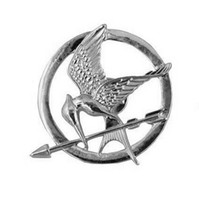 Wholesale Hot Movie The Hunger Games Mockingjay Pin Silver Plated Bird and Arrow Brooch Gift