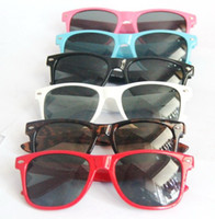 Wholesale 10 Nice Wayfarer classic sunglasses women men beach sunglass Multi color sunglass