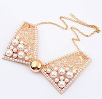 Wholesale Luxurious Fashion Hollow Out Metal Necklaces Choker Bib False Pearl Butterfly Collar Necklace