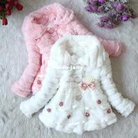 achat en gros de fille bébé manteau beige-Les Tout-Petits Filles Junon Bébé En Fausse Fourrure Doublé De Molleton Manteau Enfants D'Hiver Veste Chaude 18908