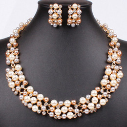 Wholesale Gold Tone Mixed Pearl Wedding Pearl Jewelry Sets Fancy Bridal Dress Necklace And Earrings Jewelry