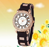 Dress Unisex Day/Date 2014 New Arrival Metal Geneva Fashion diamond Designer Watch band Crystal Dial Wrist Watch Men New Geneva watch