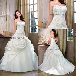 Wholesale Custom made Hot sale Strapless Ball gown Brush Satin Pleated Ruffles Applique Brdal gowns Plus size Wedding dresses Garden summer beach dres