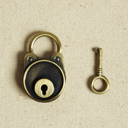 Wholesale New arrival vintage bear lock diary luggage belt key bronze color antique padlock