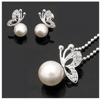 Wholesale 2014 Fashion Alloy Pearl Butterfly Stud Earrings amp Necklace New jewelry set W06