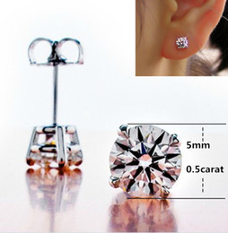 Wholesale Romantic 4 Ct Four Claw Anti allergic SONA Synthetic diamond earrings for women wedding engagement stub earrings bridal Promotion