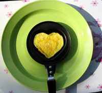 Wholesale Mini Lovely Heart Shaped Egg Fry Frying Pan Cook pan Non Stick