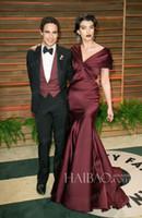 V-Neck fair white - 2014 Vanity Fair Oscar Party Crystal Renn Plunging Neck Celebrity Red Carpet Dresses Floor Length Elegant Burgundy Formal Evening Gowns